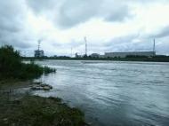 川の様子.水量増