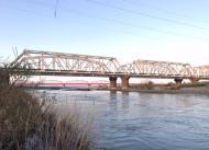 川の様子 日曜日で人出多く