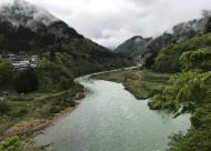 庄川上流の様子
